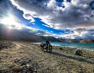 Majestic Ladakh with Himachal